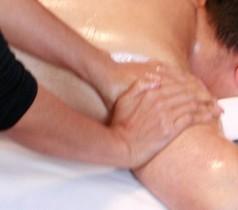 Massage thaïlandais aux huiles essentielles – Nuad Naman