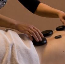 Massage thaïlandais aux pierres chaudes