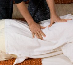 Massage thaïlandais traditionnel -Nuad Bo' Rarn